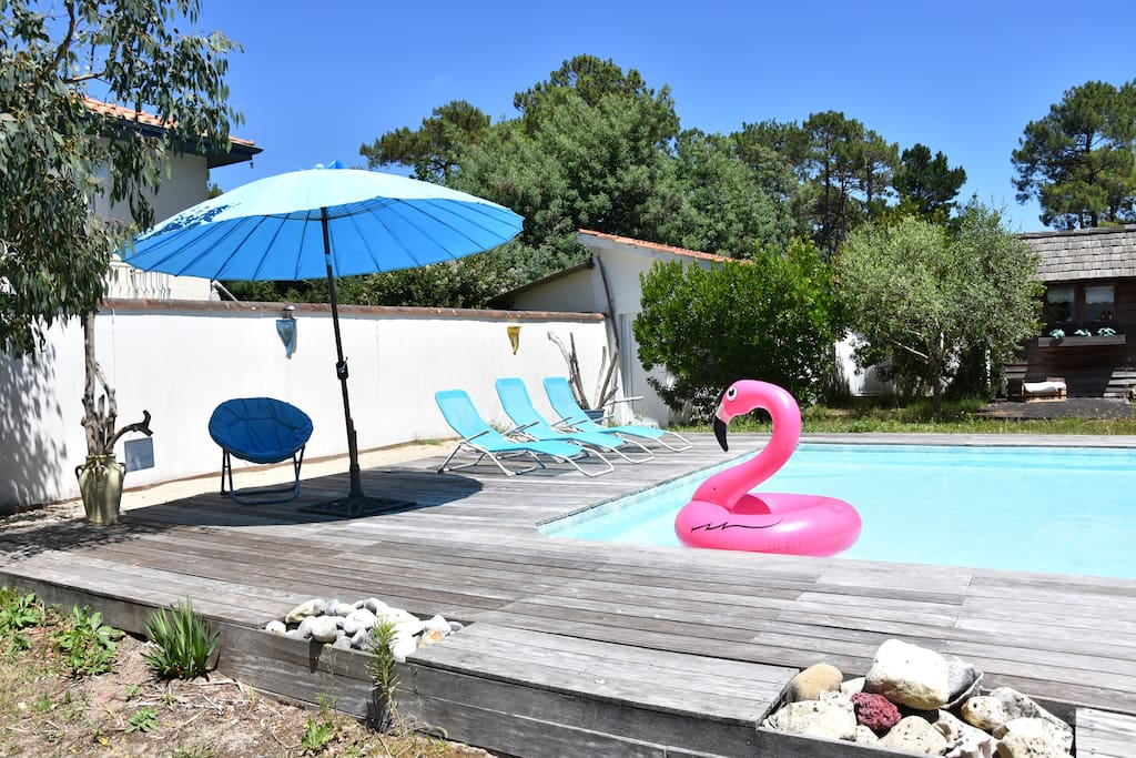 Bac à sable et piscine pour adultes et enfants