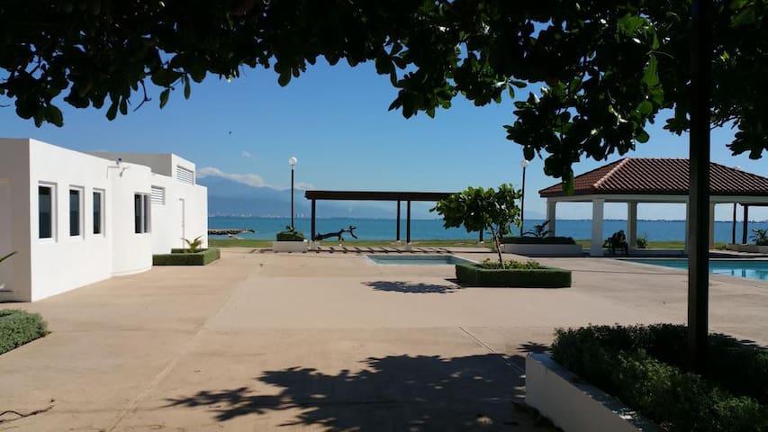 BayFront Beach Villa