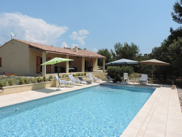 Comfortable, spacious villa in a tranquil setting. - Fox-Amphoux - Villa