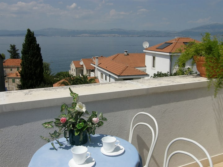 Villa Renipol - One Bedroom Apartment with Sea View (Apt 5)