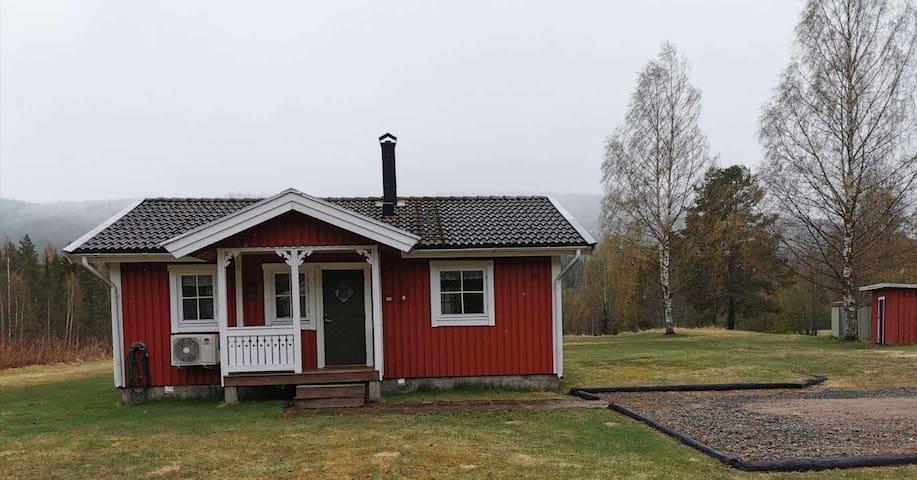 Stuga mellan Branäs å Långberget