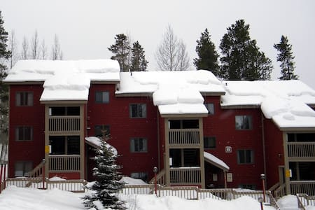 Private Indoor Hot Tub-Two Bedroom/Two Bathroom - Fraser - Apartament