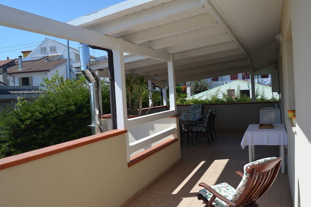 terrazza solarium  con doccia esterna