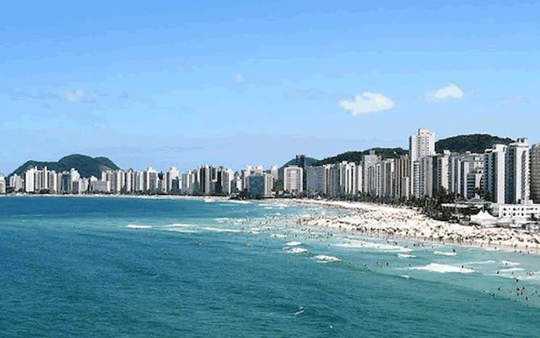 Apartamento - 1 quadra da Praia