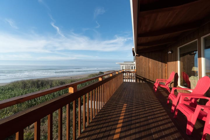 Experience Oceanfront Oasis in this three bedroom home on the OR coast!
