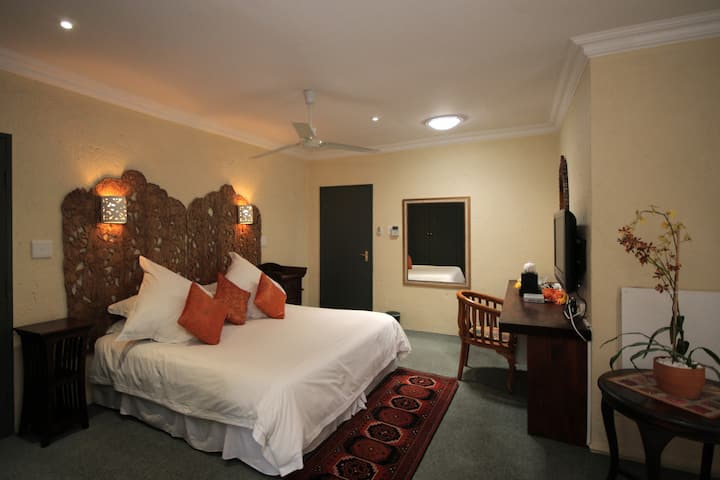 Pats Rooms 5- - Best in Bryanston