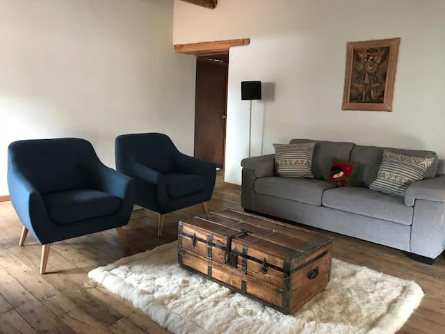 Cozy & newly restored apartment