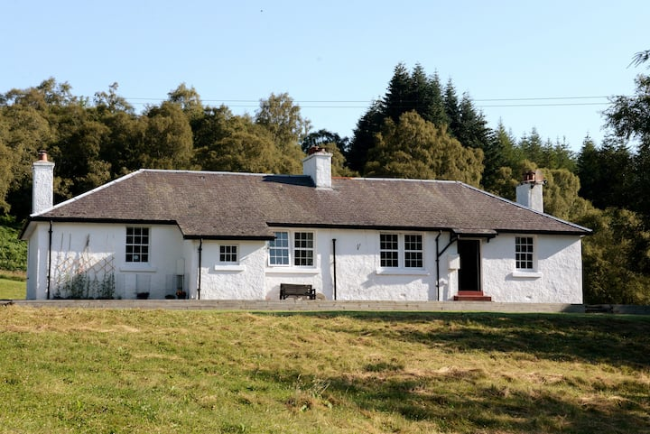 The Knockie Cottage  No.4 Loch Ness, Whitebridge