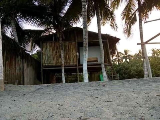 Cabaña Randuky en la playa