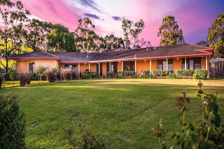 Burncroft Guest House - Lovedale - Lovedale