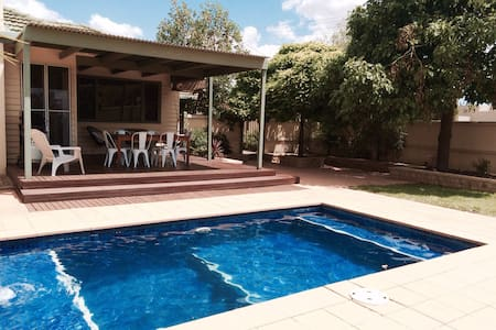 Murray House - Central with Pool - Echuca - Casa