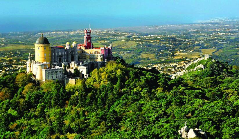 Visit Charming SINTRA in our Comfortable Flat