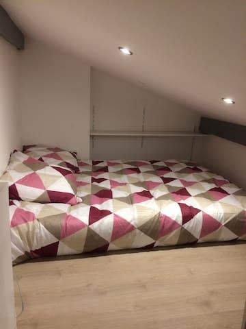 Studio avec mezzanine tout confort - Vayres - Leilighet