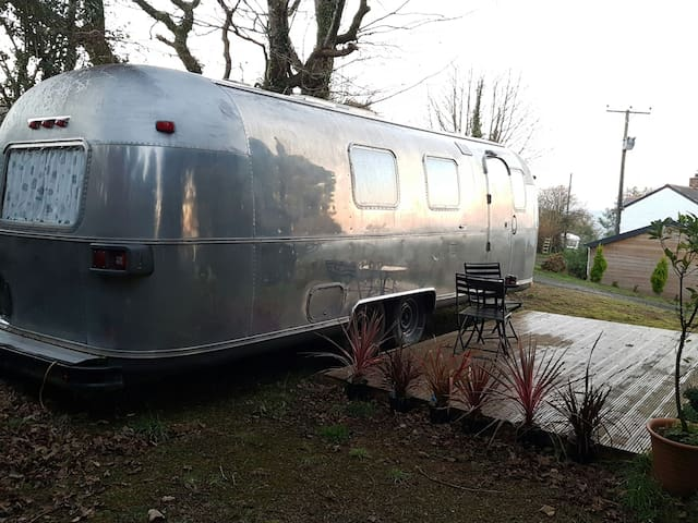 Luxurious spacious Airstream - Gunnislake  - Wóz Kempingowy/RV