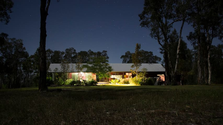 Wallagani Holiday Lodge - Noosa North Shore - Casa