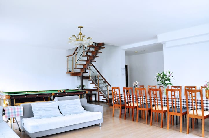 金沙滩海景三层复式洋房,有桌球棋牌影院可聚会 - Qingdao - House