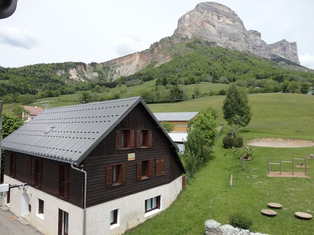 Appartement en moyenne montagne - Saint-Pancrasse - Apartamento