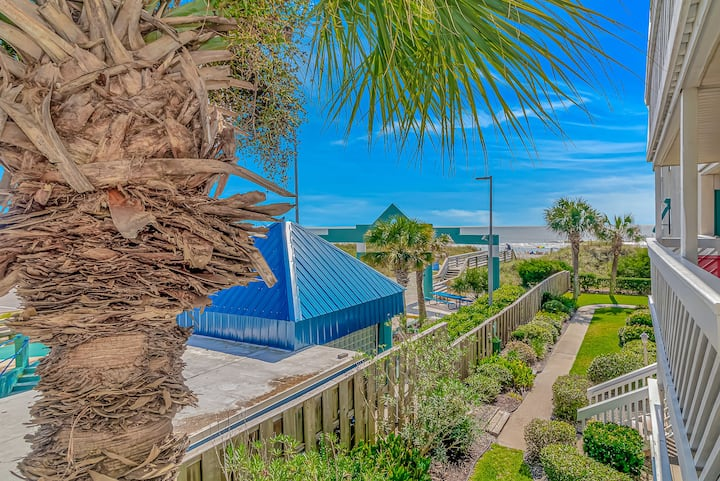 Charming Oceanfront Condo on Main St. in OD NMB!