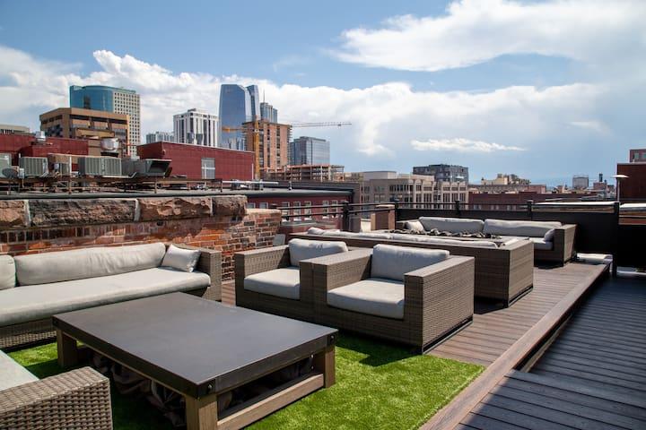 Industrial Modern Loft w/Amazing Rooftop in LoDo!