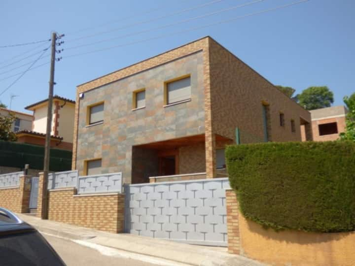 House next to Blanes and Lloret, special for Millennials.