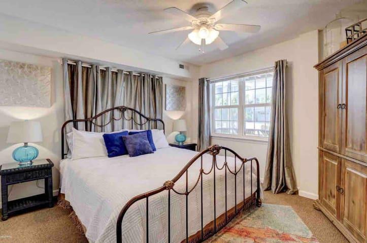 Beach Suite - 2 Bedrooms/1 Bath across from Beach!