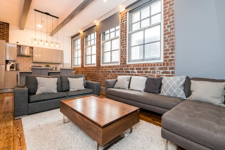 Stunning Luxury W/house Conversion in heart of LPL