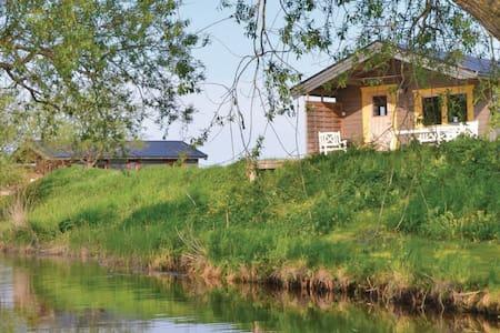 2 Bedrooms Cottage in  #1 - Stånga