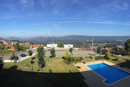 Apartamento Vila Nova Cerveira Piscina y terraza