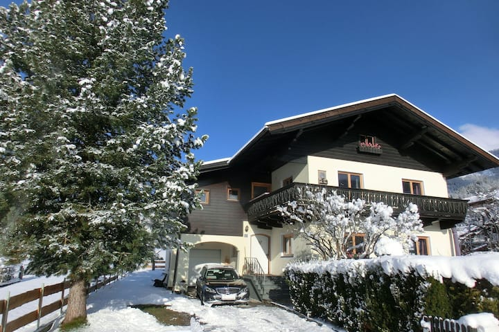 Large Holiday Home in Salzburg with Garden