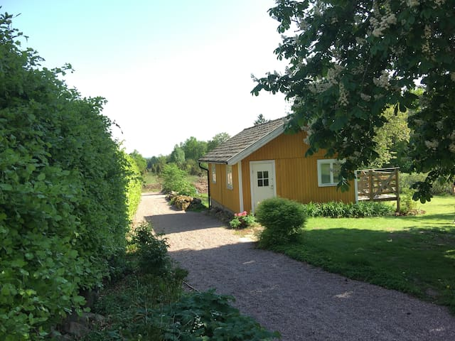 Charming cottage,central location in Skåne