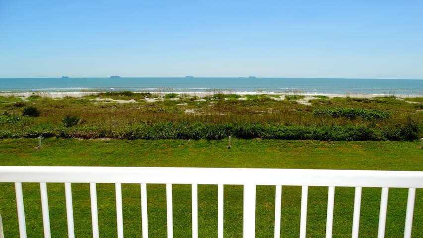 Rare! 3 Bedroom DIRECT Oceanfront Condo! Unit 63!