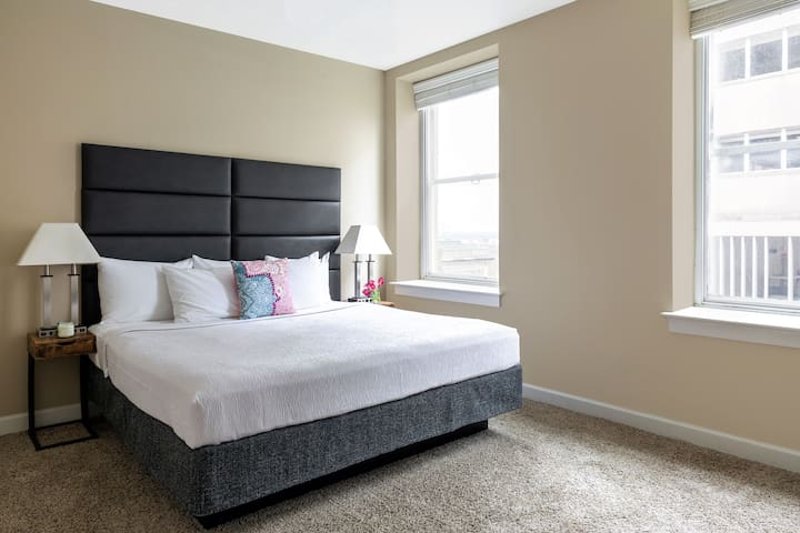 Terrific Two Bed on Madison Avenue