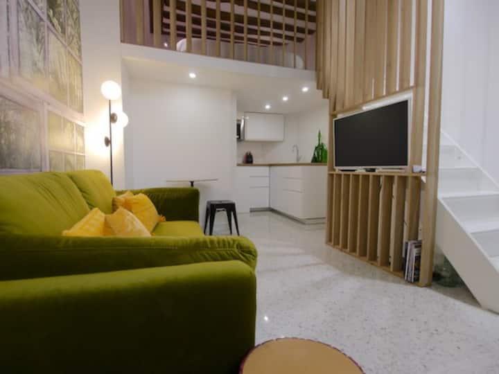 Haut Marais Porte Saint Martin Quiet studio