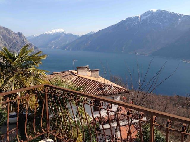 Вилла с видом на озеро Гарда - Voltino - Villa