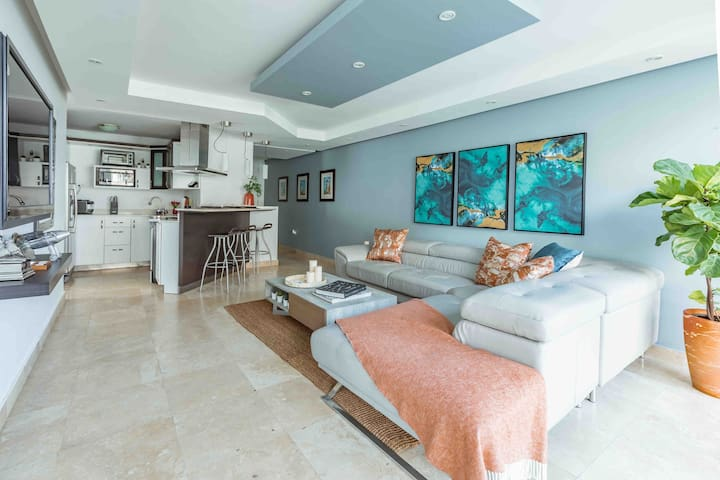 Ocean View, Luxury accommodation Condado, King Bed