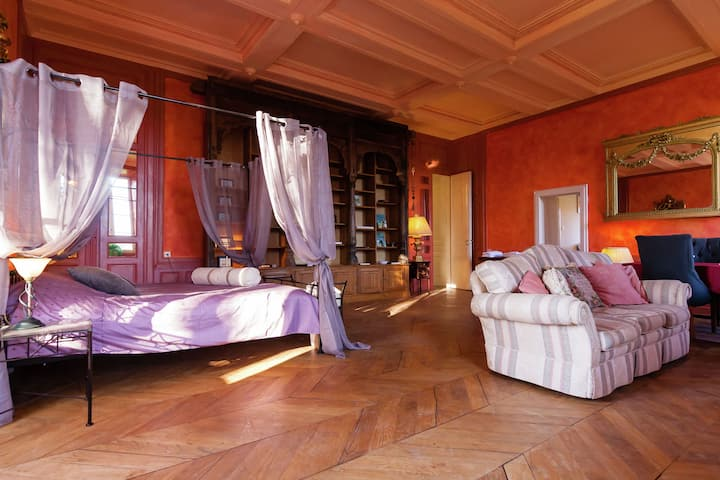 Romantic stay in a medieval castle with pool and restaurant among others.