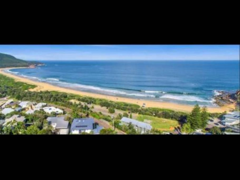 The beach is an easy walk as is the village of Hardys Bay