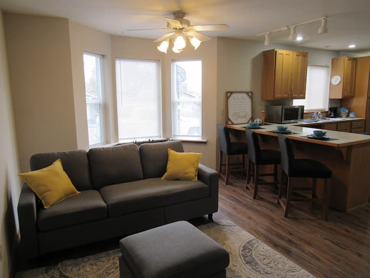 1 bedroom Apartment freshly remodeled