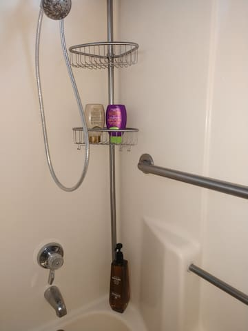 Dbl Shower head. Body wash, Shampoo and Conditioner included