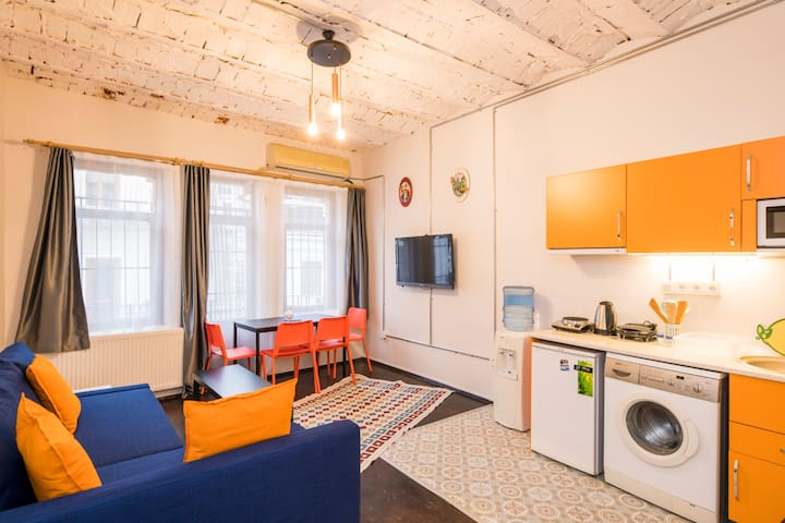 Deluxe03  Apartment 1+1 On İstiklal Street for4ppl