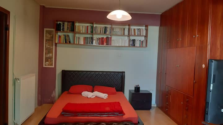 Private bedroom in Ano Glyfada.