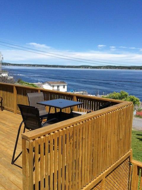 Oscar's Ocean View Cottage -  4 Bedrooms