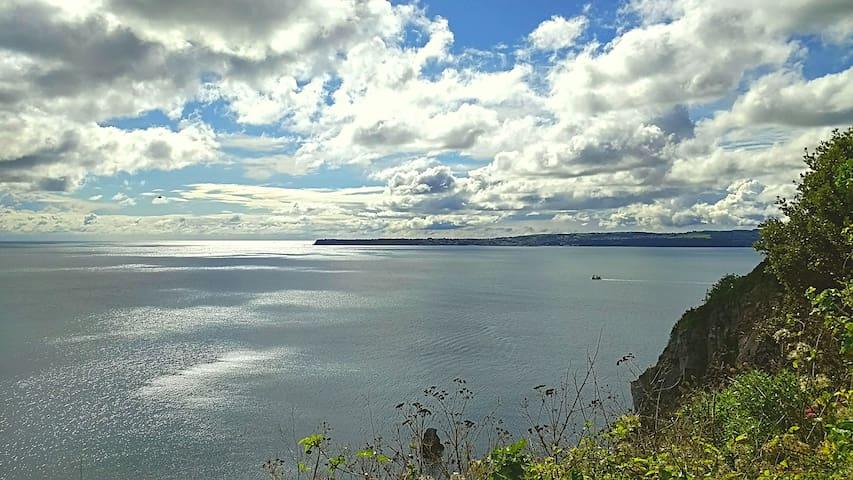 Stunning Views  Peaceful Idyllic  location