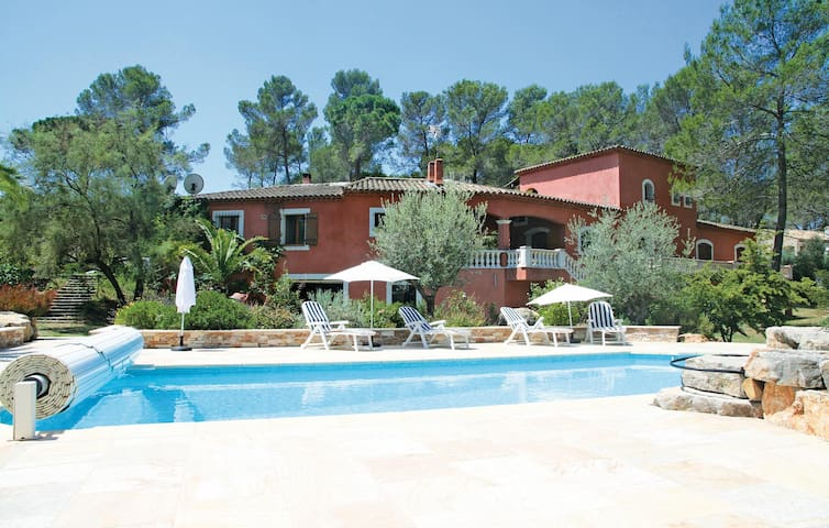 Holiday apartment with 2 bedrooms on 58m² in Puget-sur-Argens