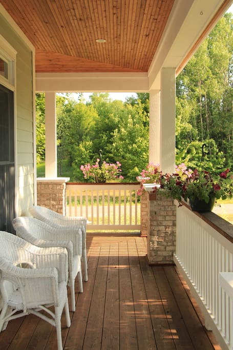 Sunny porch for guests