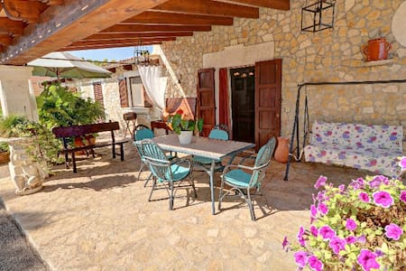Villa for rent, Muro, with large pool and garden - Muro