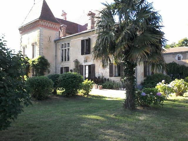 St Lon les Mines, farniente au Château du Prada...