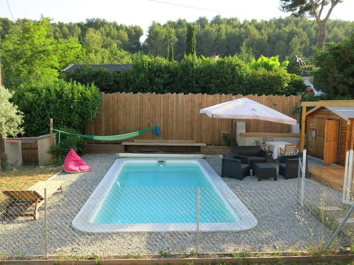 Villa + piscine entre Aix en Provence & Marseille