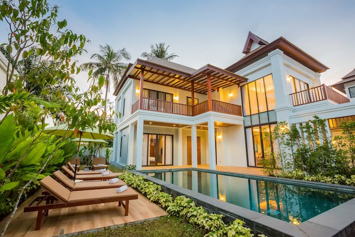 BEAUTIFUL 4 BDR POOL VILLA (B1)