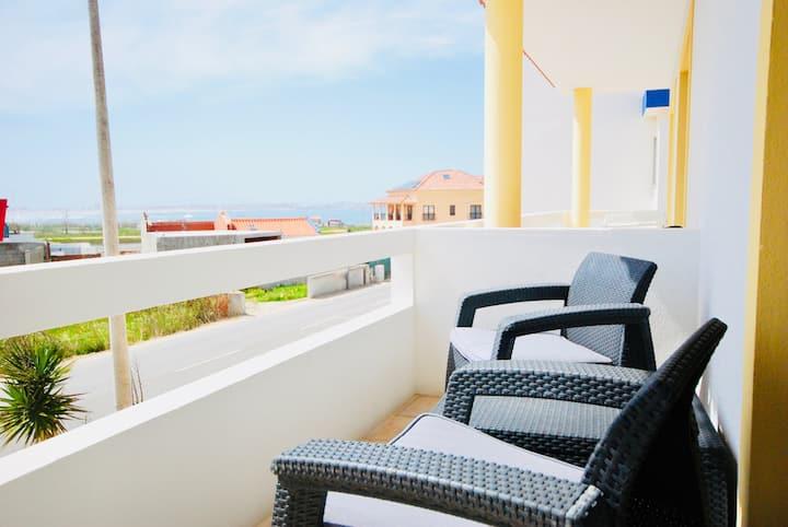 Baleal beach, Sunny balcony, Shared pool - B